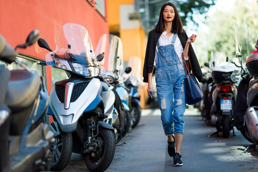 tips-and-techniques-of-how-to-wear-overalls1